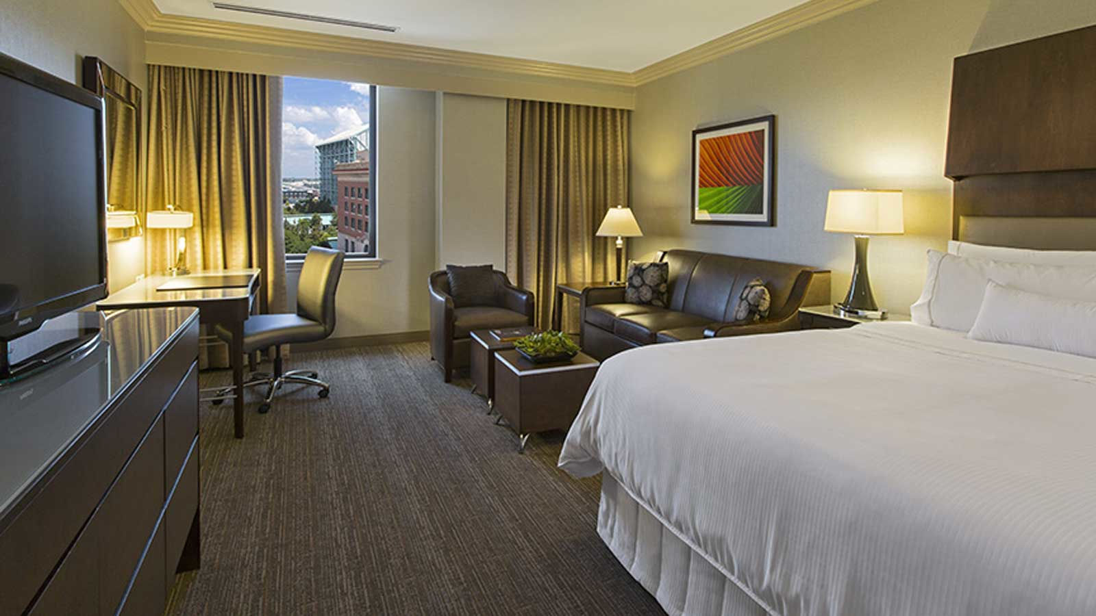 Premium Junior Suite | The Westin Houston Downtown